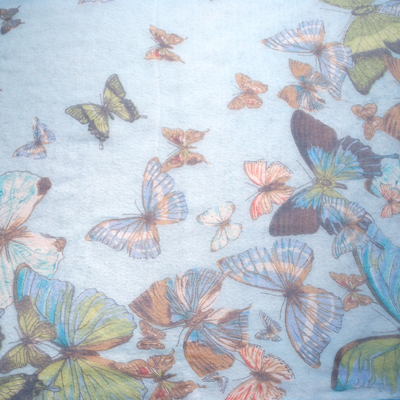 Carnet de Soie - Foulard en Georgette de soie : collection papillon - Photo 2